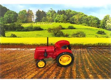 Busch 006702 Traktor Famulus rot N
