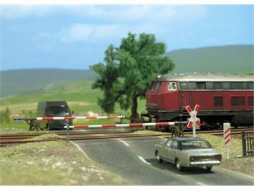 Busch 6021 Bahnübergang mit Schranke HO