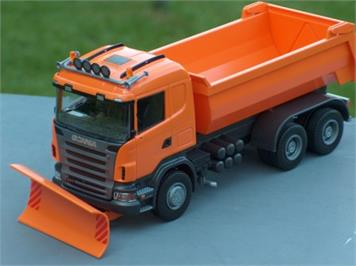 EMEK 15508 Scania R cabin, Kipper mit Pflug orange 1:25