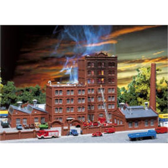 Faller Exklusiv Modell 2002 Brennende Fabrik Spur N