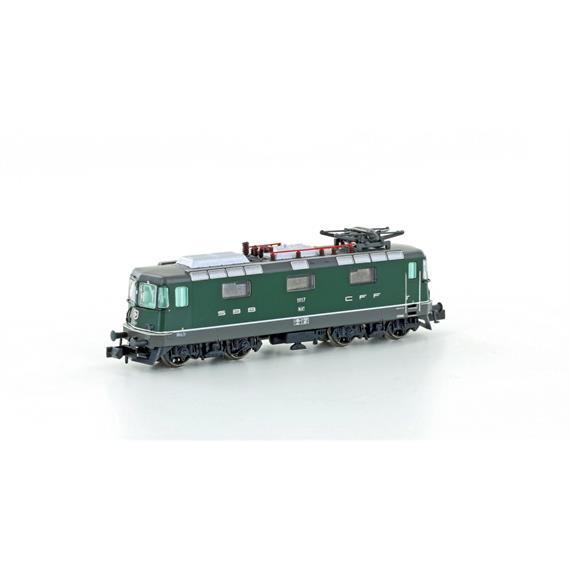 Hobbytrain 3024 E-Lok Re 4/4 II SBB grün mit Halogenscheinwerfer, Ep.V