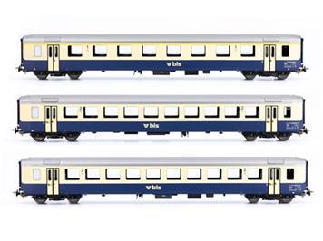 PIKO 96793 BLS Personenwagenset EWI 1 x A, 2 x B, AS-türen, Omegalogo, 3teilig, DC, H0