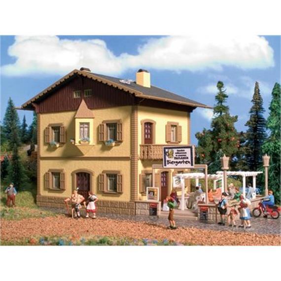 Vollmer 9233 Gasthaus mit Biergarten Spur H0