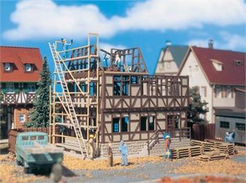Vollmer Fachwerkhaus im Bau Spur H0