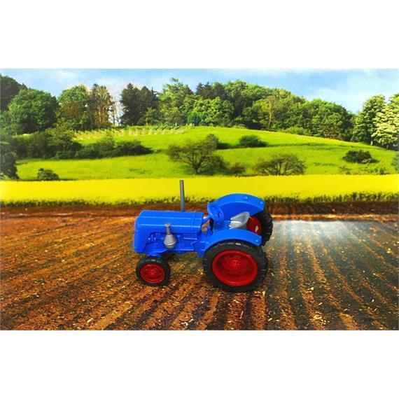 Busch 006701 Traktor Famulus blau N