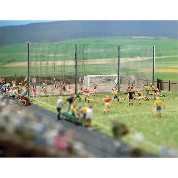 Busch 1052 Fussballplatz HO