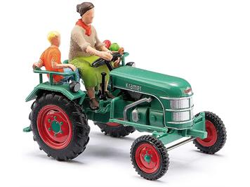 Busch 40071 Traktor Kramer K11 Bäuerin mit Kind