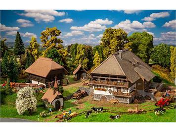 Faller 130677 Schwarzwald-Set Vogtsbauernhof, H0 1:87