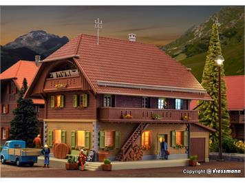 Kibri 38024 Käserei Thal in Heimisbach inkl. Hausbeleuchtungs-Startset, Funktionsbausatz
