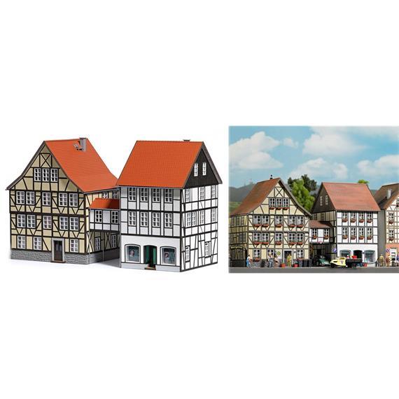 Busch 1538 Häuser mit Übergang HO