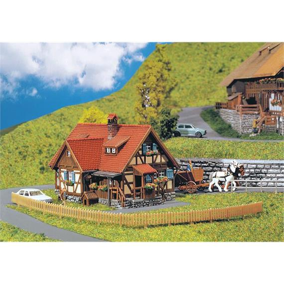 Faller 232340 ländliches Fachwerkhaus, N 1:160