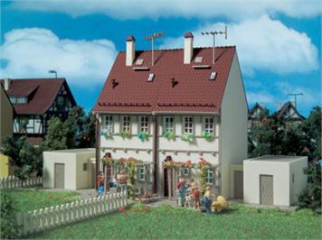 Vollmer Doppelhaus mit Garagen Spur H0
