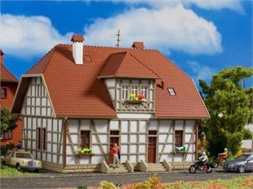 Vollmer Siedlungshaus mit Fachwerk Spur H0