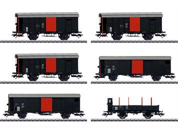 """Märklin 46050 Güterwagen-Set zum """"Köfferli"""" in fiktiver schwarzer Grundfarbgebung."""